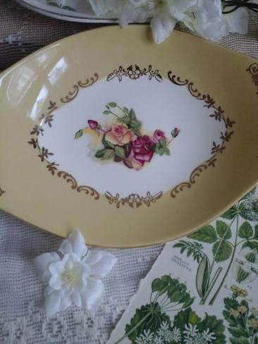 Figgjo Flint porcelain ceramic serving plate,available at www.etsy.com/uk/shop/bohemianblessed